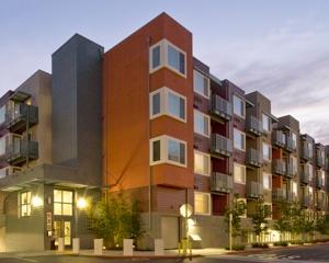 Fair-Oaks-Plaza-in-Sunnyvale-1-300
